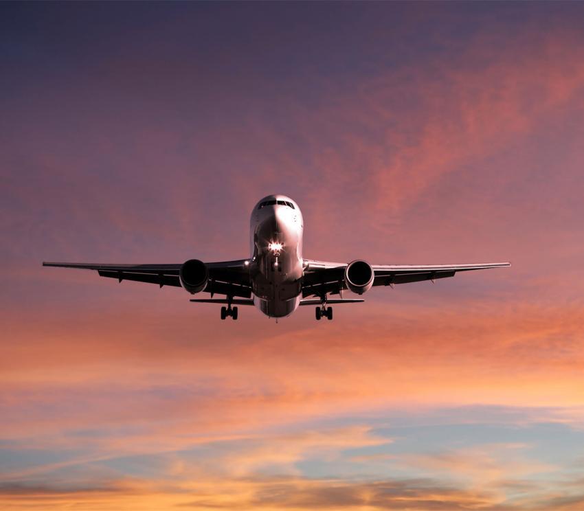 https://cf.ltkcdn.net/travel/images/slide/258131-850x744-15-holiday-travel-safety-tips.jpg
