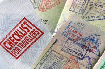 https://cf.ltkcdn.net/travel/images/slide/123491-849x565-Travelers_Checklist.jpg