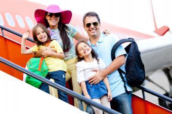 https://cf.ltkcdn.net/travel/images/slide/169747-700x466-traveling-family.jpg
