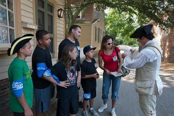 https://cf.ltkcdn.net/travel/images/slide/169788-700x467-ColonialWilliamsburg.jpg