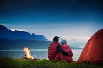 https://cf.ltkcdn.net/travel/images/slide/175749-725x481-Couple-camping-TS-sm.jpg
