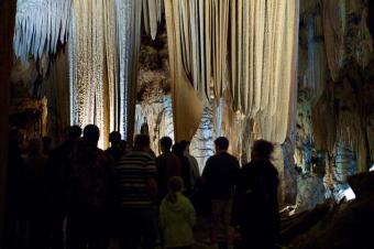 https://cf.ltkcdn.net/travel/images/slide/175808-725x482-Luray-Caverns-flickr-sm.jpg