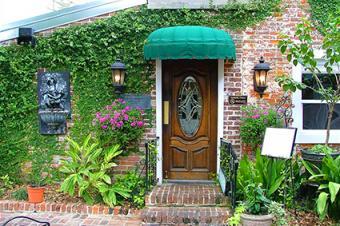 Mary Mahoney's Old French House