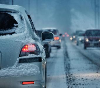 https://cf.ltkcdn.net/travel/images/slide/258135-850x744-3-holiday-travel-safety-tips.jpg