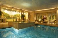 Hotel George V swimming pool