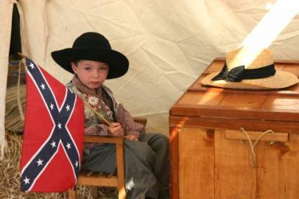 Child re-enactor in Gettysburg