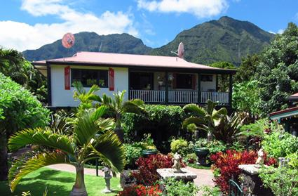 Hanalei Surfboard House exterior