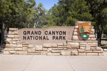 Entrance to Grand Canyon National Park; © Rixie | Dreamstime.com