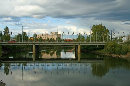 Walk along Fairbanks' Chena River