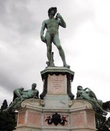 David statue atop Piazzale Michelangelo