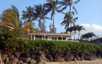FreeImages.com http://www.freeimages.com/photo/dream-hawaiian-home-1216984