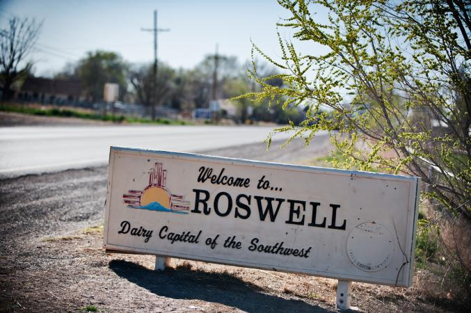 Welcome to Roswell road sign
