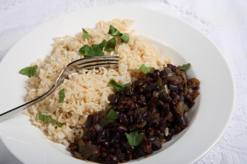 https://cf.ltkcdn.net/vegetarian/images/slide/125003-849x565-Cuban_Black_Beans.jpg