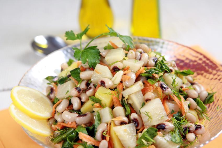 https://cf.ltkcdn.net/vegetarian/images/slide/125004-849x565-Black_Eyed_Peas_in_Salad.jpg
