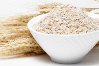 Oat Bran vs. Wheat Bran: Consider the Benefits of Each