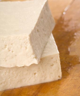 https://cf.ltkcdn.net/vegetarian/images/slide/124892-631x761-Tofu-Egg-Substitute.jpg