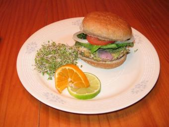 Making Veggie Burgers in 5 Easy Steps (With Pictures)
