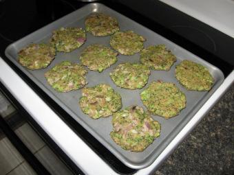 https://cf.ltkcdn.net/vegetarian/images/slide/124899-800x600-veggie-burgers-lightly-browned.JPG