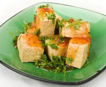 https://cf.ltkcdn.net/vegetarian/images/slide/124914-486x400-tofu3.jpg