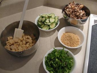 https://cf.ltkcdn.net/vegetarian/images/slide/124949-800x600-Prepare-Ingredients-While-Marinating.JPG