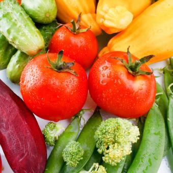 https://cf.ltkcdn.net/vegetarian/images/slide/124975-693x693-freshvegetables.jpg