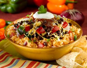 https://cf.ltkcdn.net/vegetarian/images/slide/124994-787x610-Vegetarian_Beans_and_Rice.jpg