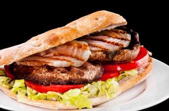 https://cf.ltkcdn.net/vegetarian/images/slide/127213-850x562r1-Portobella-Sandwich.jpg