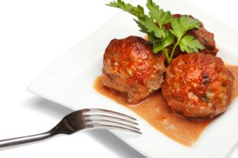 How to Make Vegan Meatballs (and Where to Buy Them)