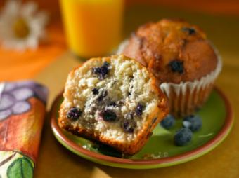 Vegan Muffin Recipe & Tasty Flavors to Try