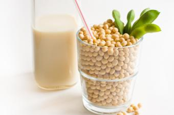 8 Key Soy Milk Benefits for Your Wellness