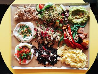 7 Top Vegan Restaurants in NYC (From Sushi to Burgers)