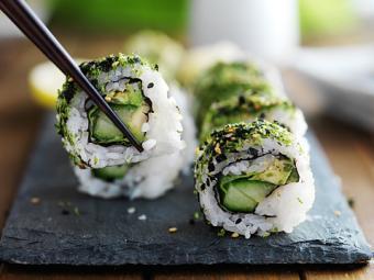 healthy kale sushi
