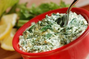 Easy Vegan Spinach Artichoke Dip (Hot)