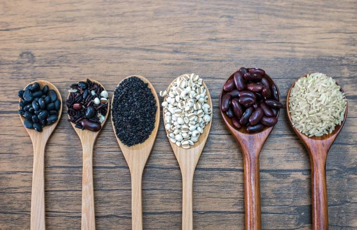 Black beans, red beans, black sesame, rice and cereals