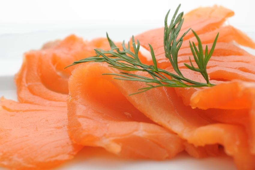 https://cf.ltkcdn.net/vitamins/images/slide/127538-850x565r1-Wild-Caught-Salmon.jpg