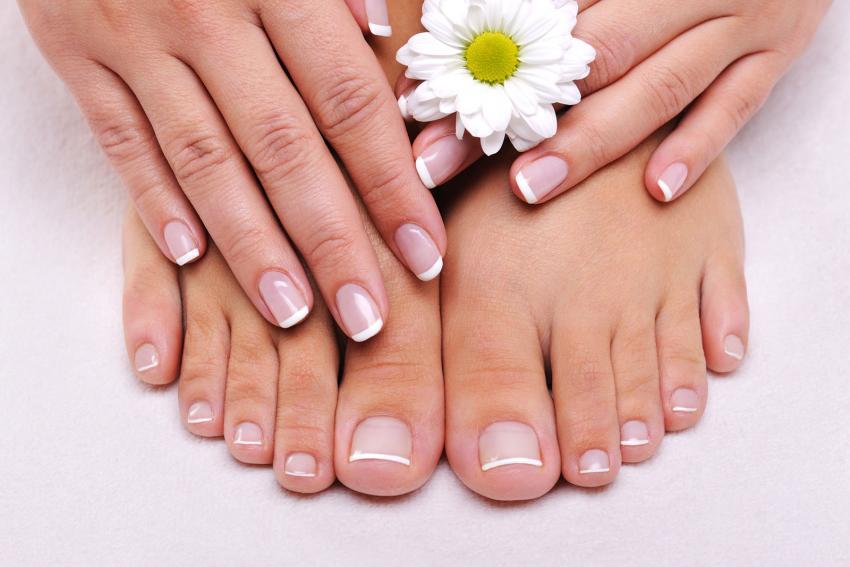https://cf.ltkcdn.net/vitamins/images/slide/209193-850x567-Maintaining-Healthy-Nails.jpg