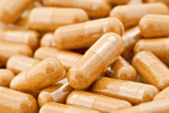 https://cf.ltkcdn.net/vitamins/images/slide/124174-847x567-04pollen_pills.jpg