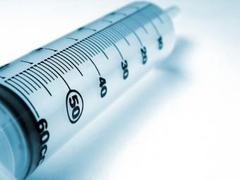 https://cf.ltkcdn.net/vitamins/images/slide/124257-800x600-syringe.jpg