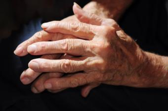https://cf.ltkcdn.net/vitamins/images/slide/124263-850x563-arthritis.jpg