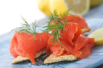 https://cf.ltkcdn.net/vitamins/images/slide/124307-850x565-salmon.jpg