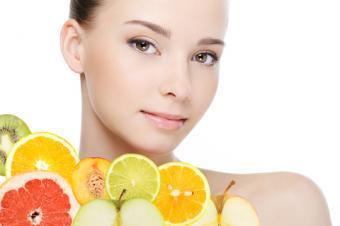 Total Guide to Vitamin C for Skin Lightening