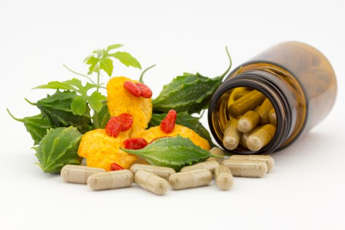 Vitamin B capsules and vegies