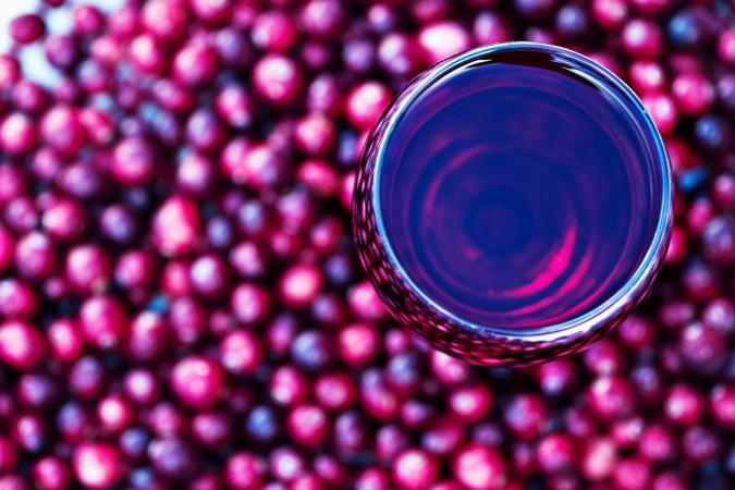 overhead view glass of cranberry juice