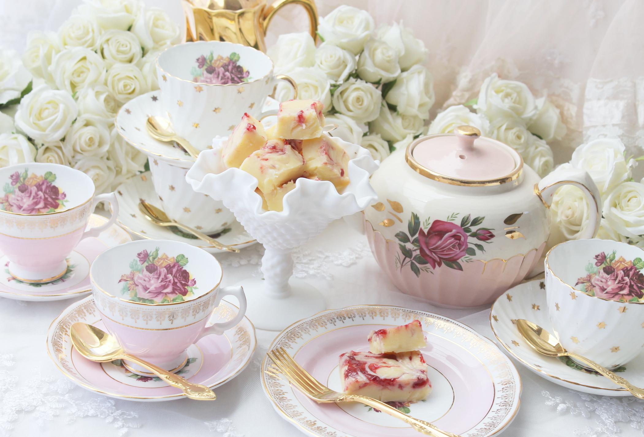 Bridal Shower Plates | LoveToKnow
