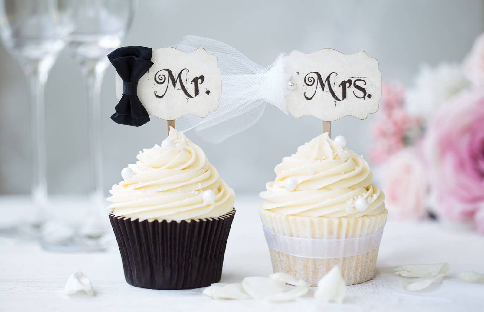 Wedding Cupcake Ideas.23 Wedding Cupcake Ideas Slideshow For Any Wedding Lovetoknow
