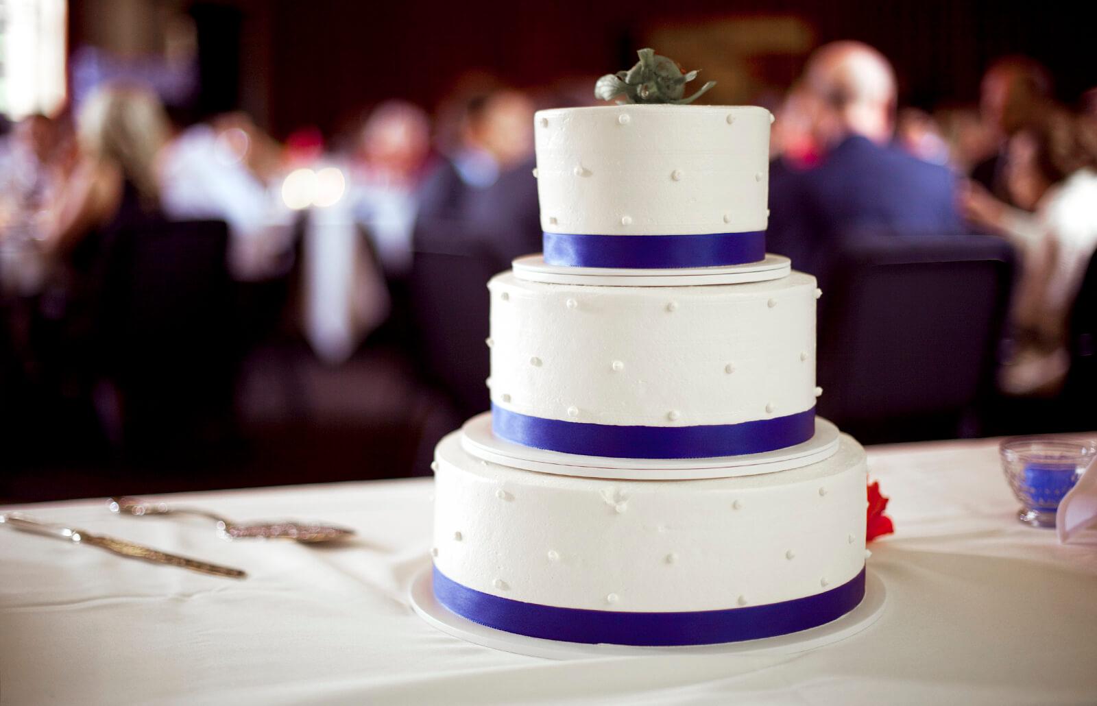 Wilton Wedding Cakes Lovetoknow
