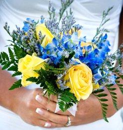 https://cf.ltkcdn.net/weddings/images/slide/105961-247x260-blueflower15.jpg