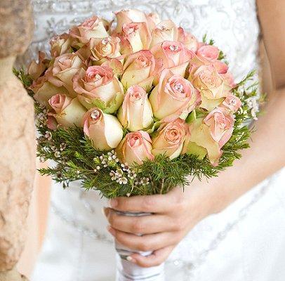 https://cf.ltkcdn.net/weddings/images/slide/106240-406x400-rose8.jpg