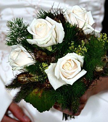 https://cf.ltkcdn.net/weddings/images/slide/106246-354x400-rose19.jpg
