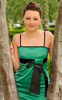 https://cf.ltkcdn.net/weddings/images/slide/106359-248x400-green16.jpg